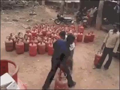 people in america losing their shit over a dude flipping a water bottle on a table  meanwhile in india https://t.co/DbTQNlFkUU