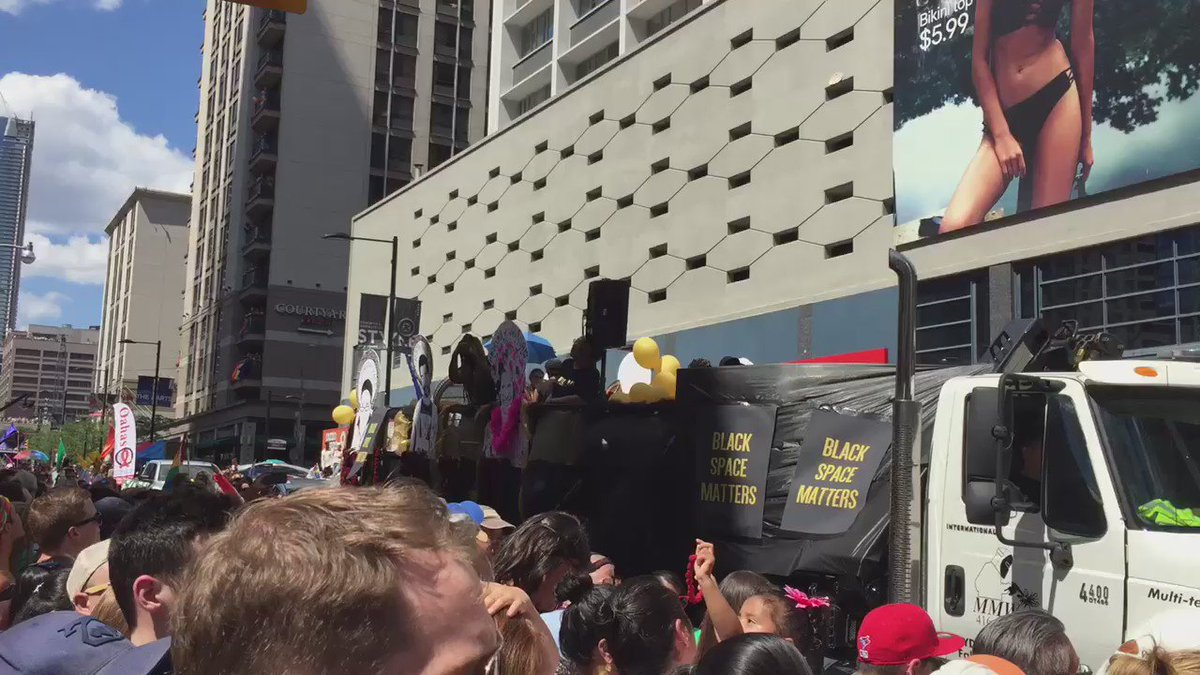 "Black Lives Matter has shut down the parade at Yonge/College. ""#PrideTO has pushed black people out."" https://t.co/Kevc5rQtYE"