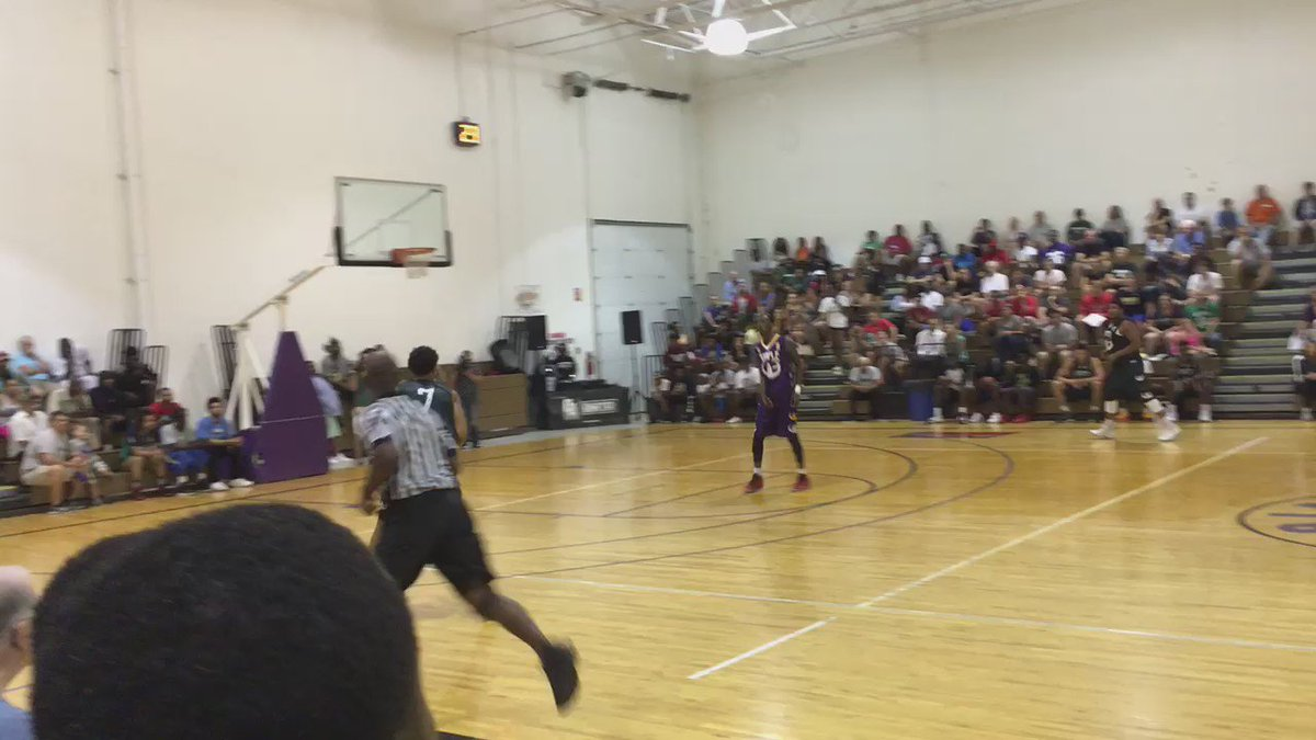 Here is a between-the-legs dunk from @MilesBridges01 at the #MoneyballProAm https://t.co/cs7NNzqvWA