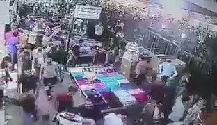 شاهد هلع الناس في سوق في كركوك عندما اختلف أحد الزبائن مع بائع وصاح (الله أكبر).. إلى أين وصل الحال في منطقتنا؟! https://t.co/FTvQtXGinL