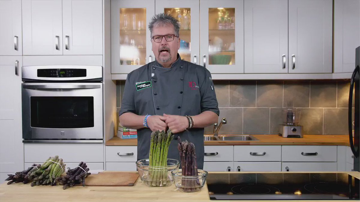 """Asparagus 101 with @ProduceSimple & @ChefDtv First of our """"Produce 101' series. https://t.co/JqpPzTuZUw"""