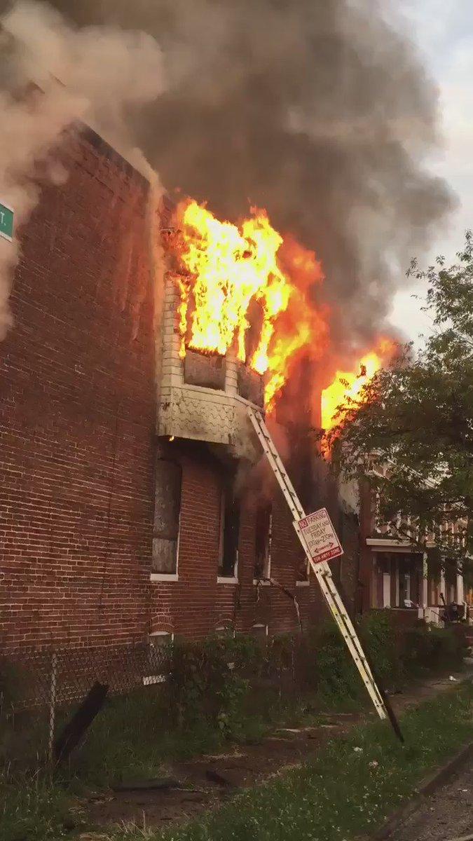 Short clip from NE #Baltimore 2nd Alarm 2700 Blk Fenwick Ave #IAFF https://t.co/J9HYvJi1mW