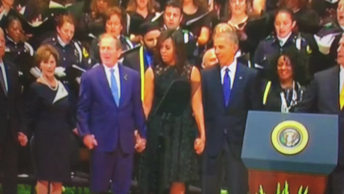 George Bush is having way to much fun at this #DallasPolice Memorial service. https://t.co/YPqsrkqTMg
