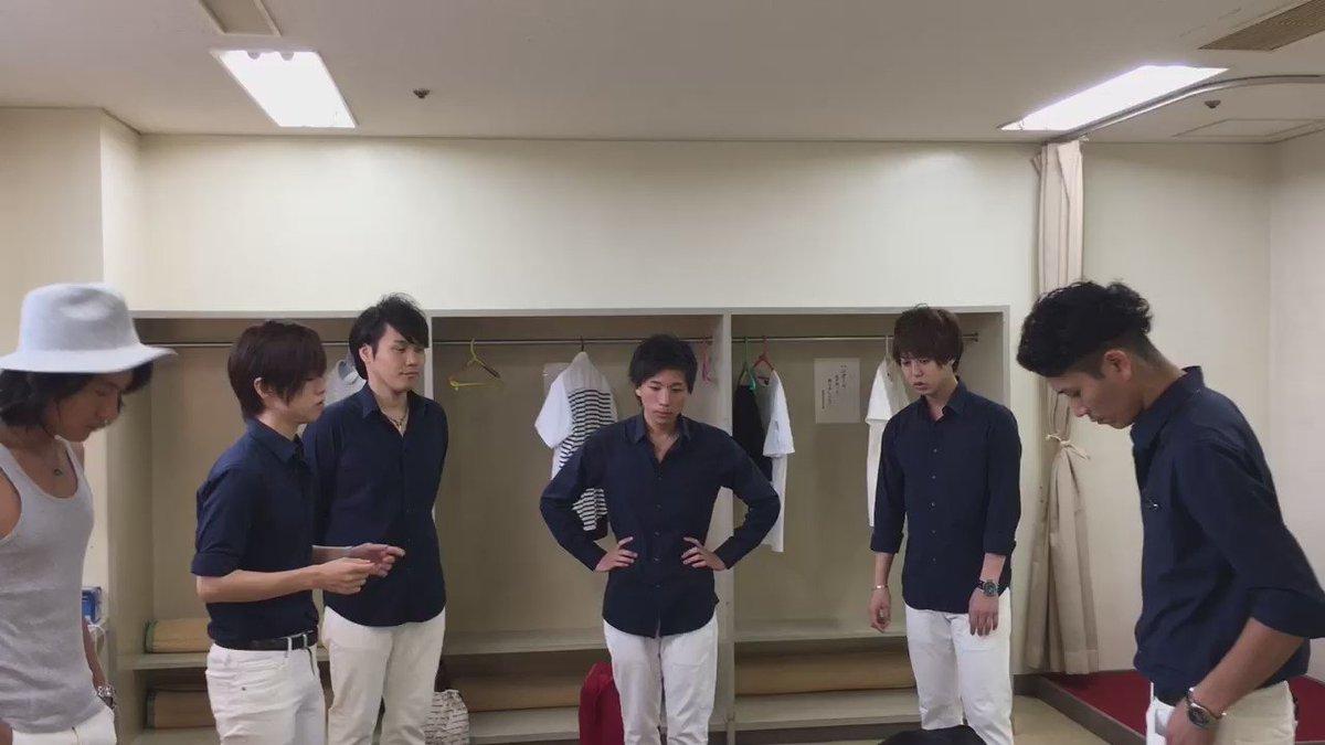 静岡県立静岡城北高校の校歌をPermanent Fishが楽屋で練習中☆ YouTubeにもアップしたので良かったら観てみてくださいね^^ https://t.co/IlnuybxtYB https://t.co/0swvpLpCt1