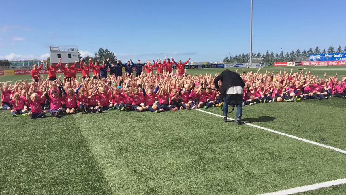 Així s'acomiada el primer campus de futbol femení del @FCBarcelona_cat a Islàndia! Projecte pioner i únic!