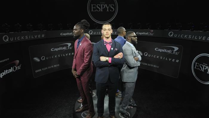 Out here on the red carpet @ESPYS https://t.co/CGMgSZ5szG