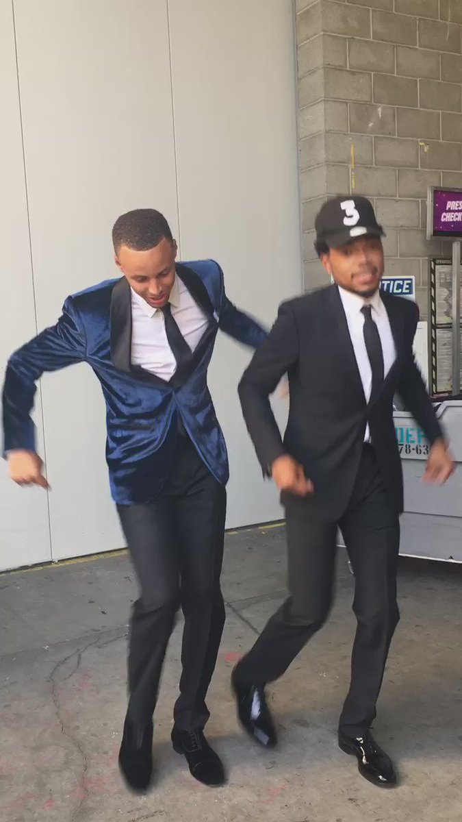Besides praying this is the best way to prep for a big moment #ESPYS cc: @StephenCurry30 https://t.co/qf4kC2kACl