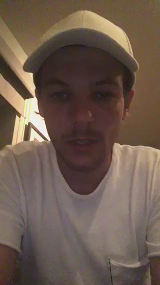 Louis has a message for you! #6YearsOf1D