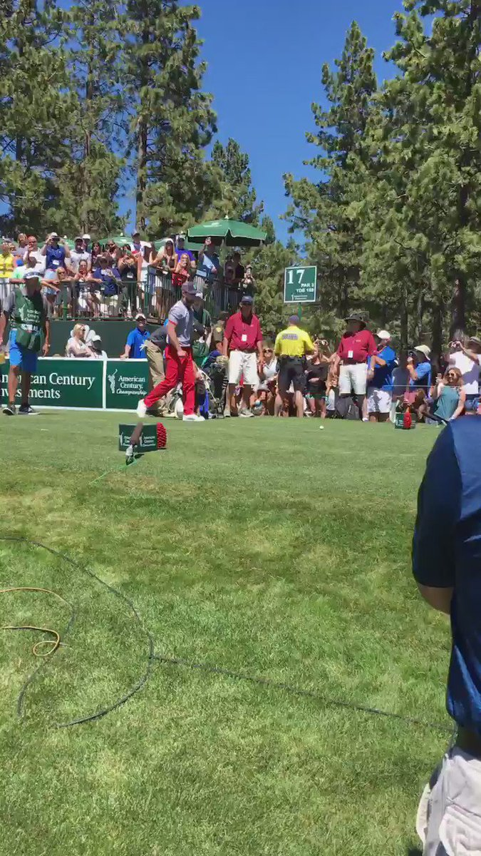 @jtimberlake hits teeshot on 17 @ACChampionship. @StephenCurry30 @alfonso_ribeiro join in the fun! #ACChampionship https://t.co/wH3lktiTcM