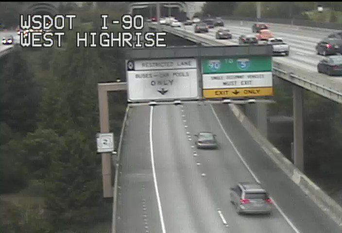 Thanks to our crews for their quick repair work! I-90 Express Lanes are now open in the WB direction.