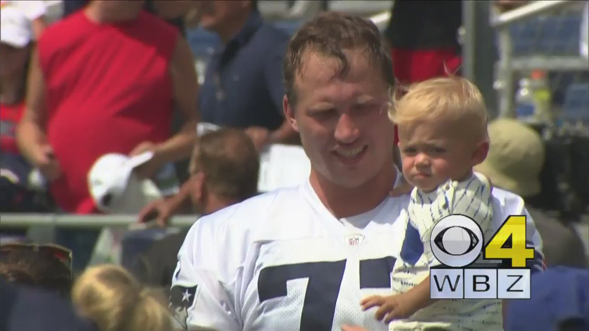 This is GREAT TO SEE! Patriots LT @soldernate with son Hudson who's undergone chemo for tumors in both kidneys WBZ
