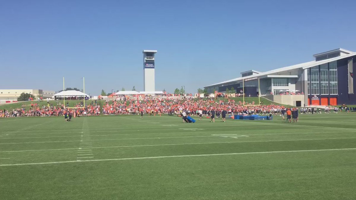 Fans getting their stretch on as BroncosCamp Day 3 is underway
