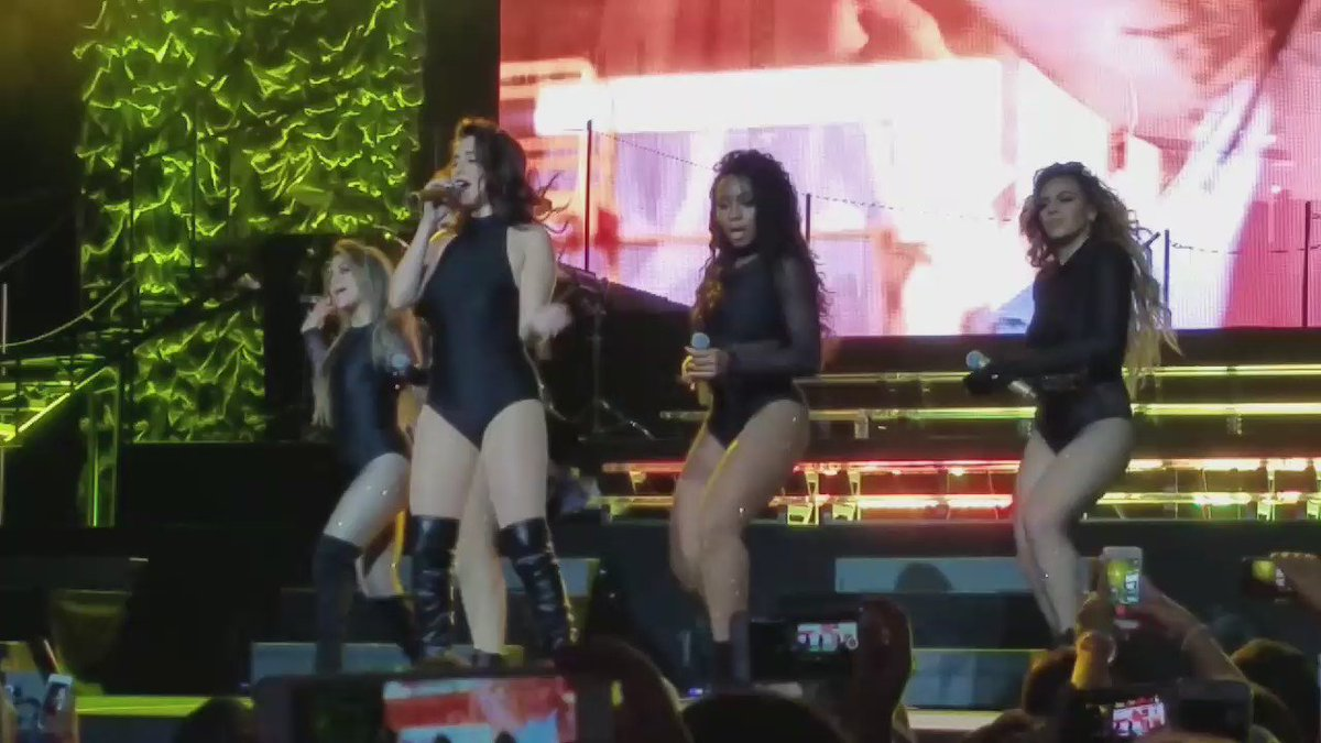 Wow! @FifthHarmony put on a hell of good show. Thanks @MoheganSun. ❤ https://t.co/A4QH7qXCMN