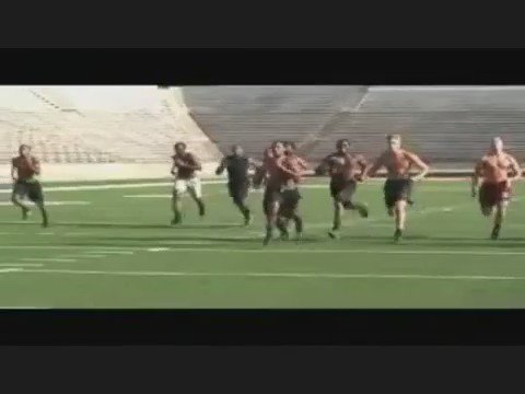 Throwback to 09' Central Michigan Days @AntonioBrown84 @DanLeFevour13 @4_flat @sirknight95 @MrYadigg29 #FireUpChips https://t.co/VGPltgjrXN