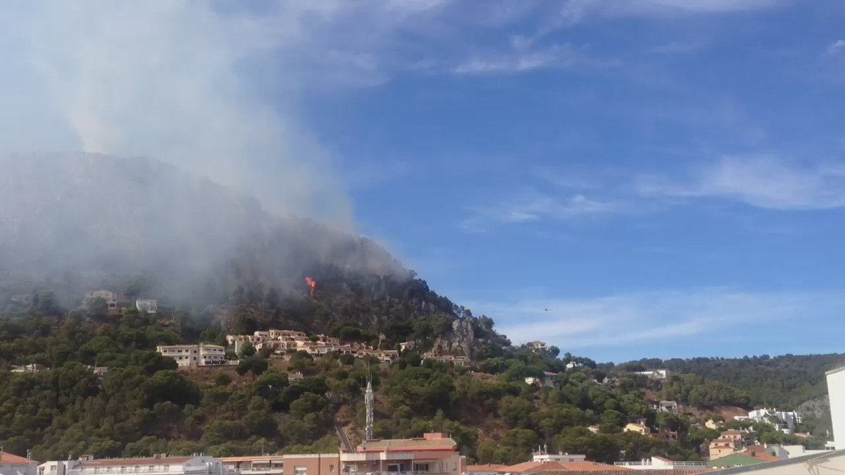 Video L'#incendis de #rocamaura a l'#Estartit. https://t.co/oMIy5aE8ze #IFRocaMaura via @Agui7David