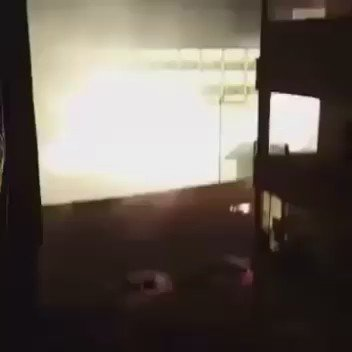New video from #Idlib as Regime/Russians bomb it with banned phosphorous incendiary bombs. Please watch. https://t.co/O4bpC220NB