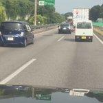 怖すぎるw高速道路で危険運転をするプリウスがガチでキチガイなんだけど!