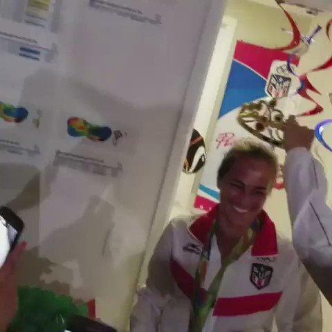 AHORA: Celebración en la Villa Olimpica