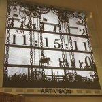 【動画】阪急百貨店梅田にある祝祭時計「アートビジョン」!影絵の人形と歯車が運ぶ数字の美しい映像に感動!