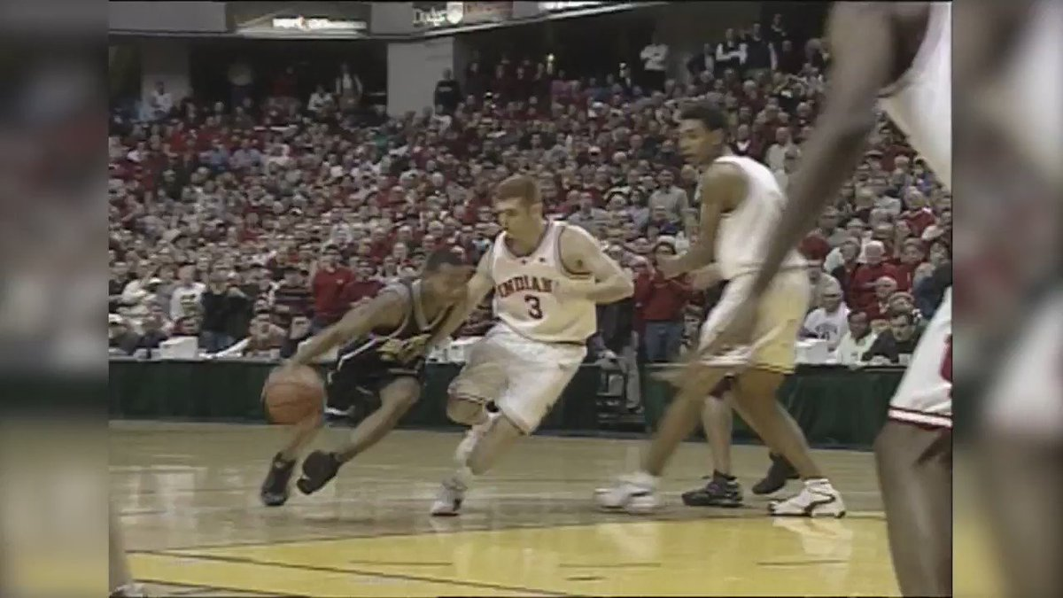 That time when @ButlerMBB defeated IU in 2001. Joel Cornette dunked the game winner. Our video that day: #RIPJoel https://t.co/z3MQAI9qXk