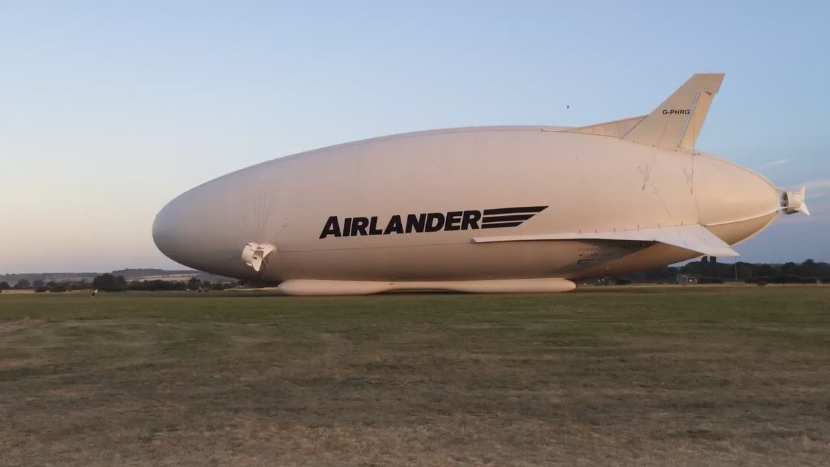 Airlander 10 makes maiden voyage from Cardington Sheds in Bedfordshire. https://t.co/Z4tN8Gnj5z