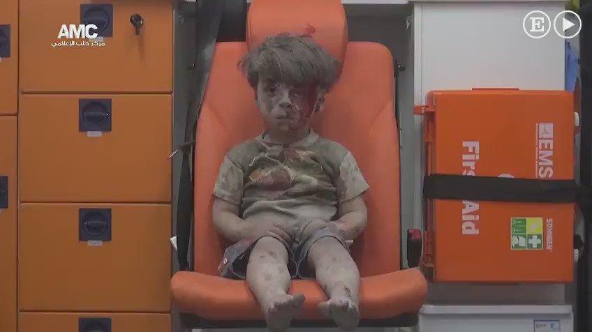 Esto es lo que el conflicto de Siria está haciendo con los niños.  Esto tiene que parar. https://t.co/TNaCbJYgUY