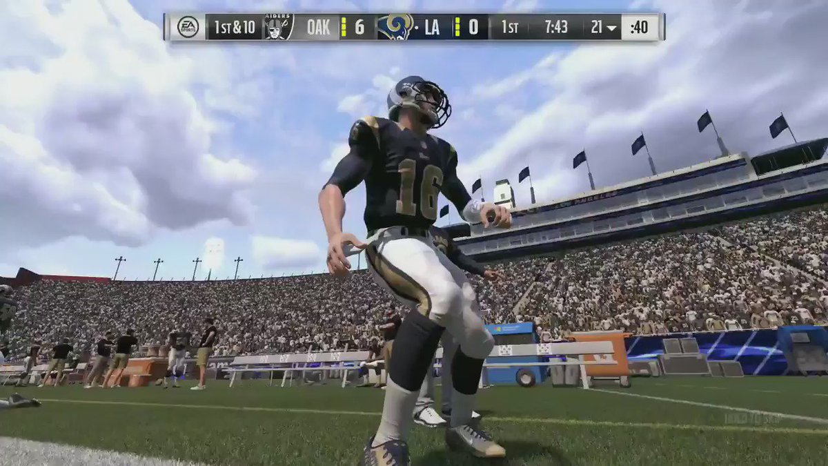 A couple more examples of commentary just added to Madden NFL 17 https://t.co/wCV70w2nPC