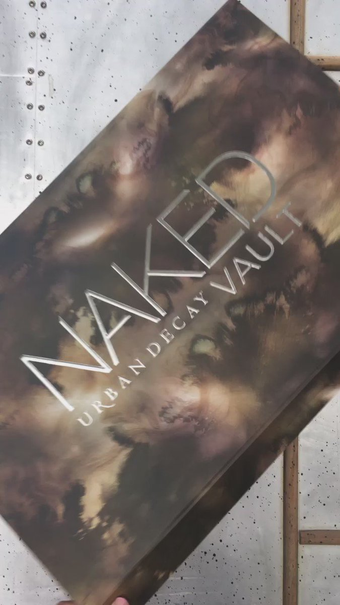 So excited that @UrbanDecay gave me a NAKED VAULT to give away to celebrate my new book #TheLuxeLife