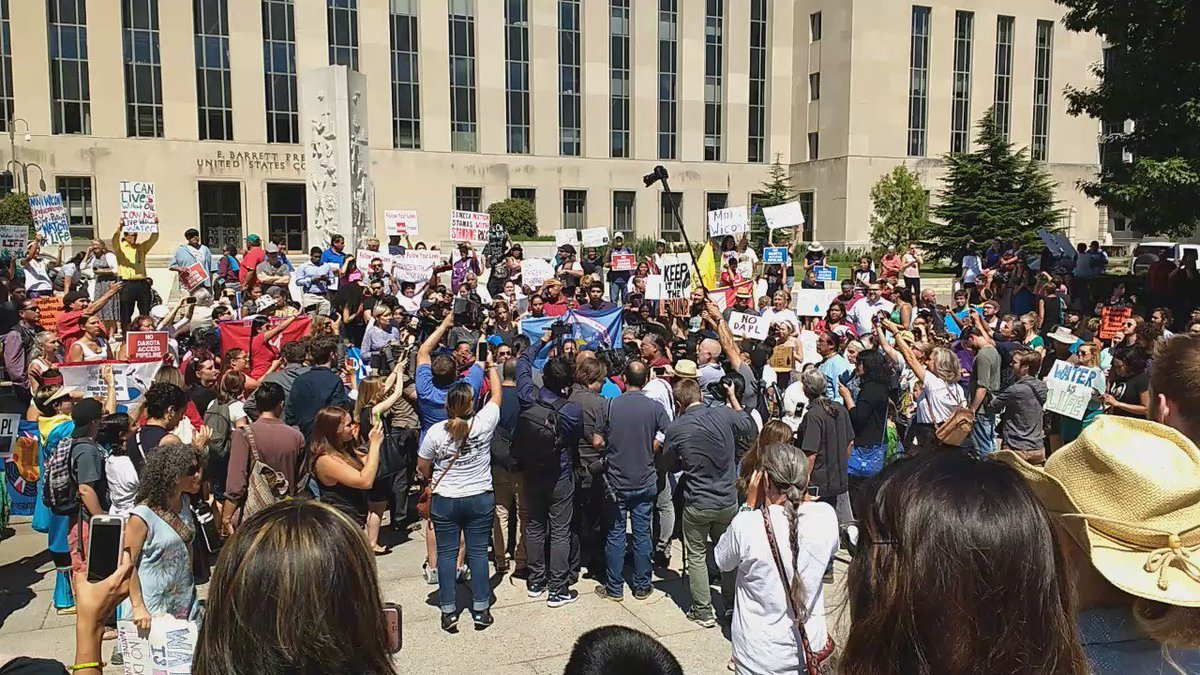 Sioux Tribe Fighting An Oil Pipeline Now Wait For The Judge