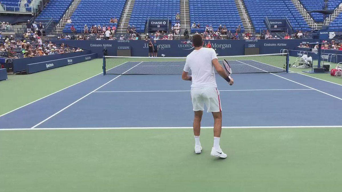 Video: @delpotrojuan ahora en el @usopen , entrenando con Goffin #uuaahh https://t.co/60UC2e85Iq