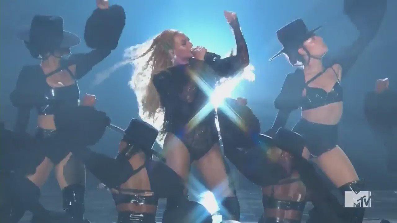RT @pretareporter: #VMAs: Bey came to slay. https://t.co/z4FuaXMmEW