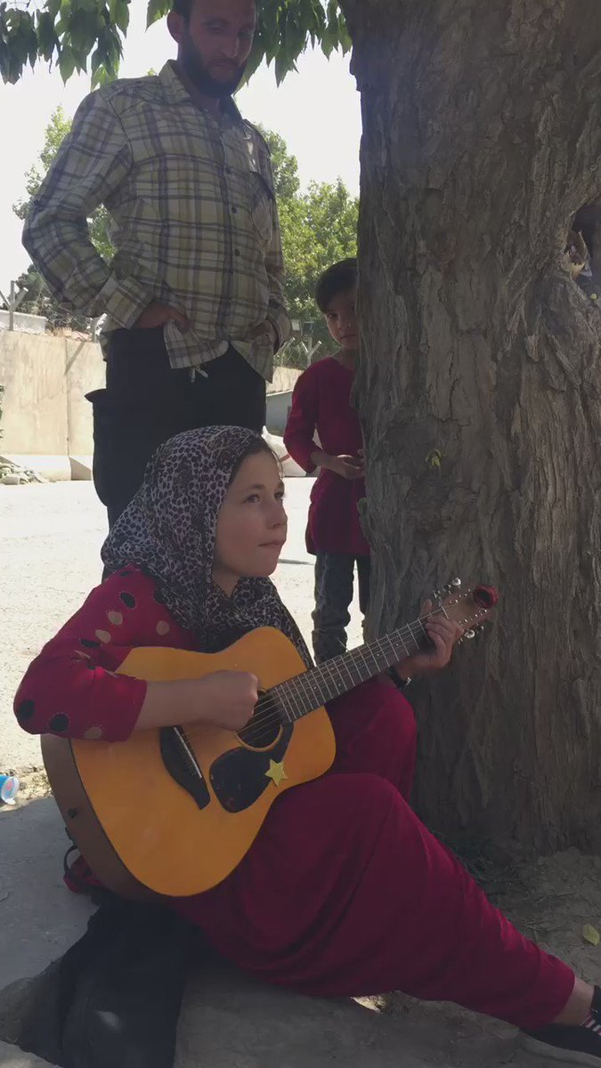 #AFG Resilience is understatement here. Mursal, the girl with guitar, lost 3members of her family in a suicide (1/2) https://t.co/Q00ROehMSQ