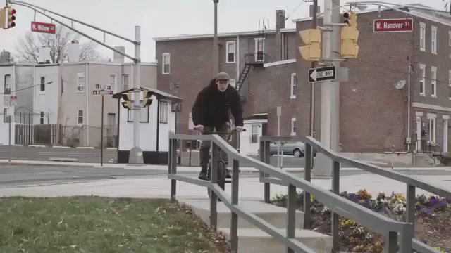 "@colinlikewhat in @animalbikes ""The Animal House"" now playing @digbmx Video: @yo_navaz https://t.co/YU1jiJgwdu"