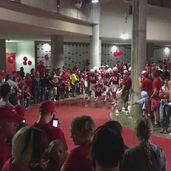 Nebraska's specialists left the locker room carrying a 27 jersey before pregame warmups https://t.co/kmd59dJhZV