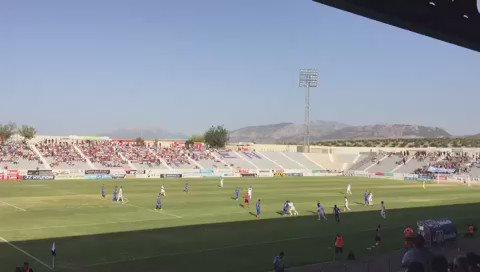 La Victoria aplaude en el minuto 8, el número que llevaba Fran Carles, el jugador del @Linares_Dptvo. https://t.co/lXAo0I01SH