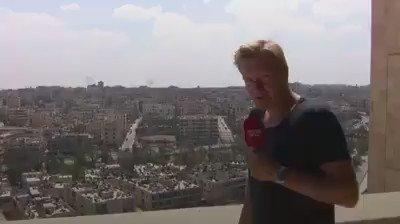 Bir mahalle bombalanırken diğerinde havuz sefası yapılıyor. Danimarkalı 1 gazetecinin #Halep görüntüleri inanılmaz! https://t.co/ksaZkGc4EK