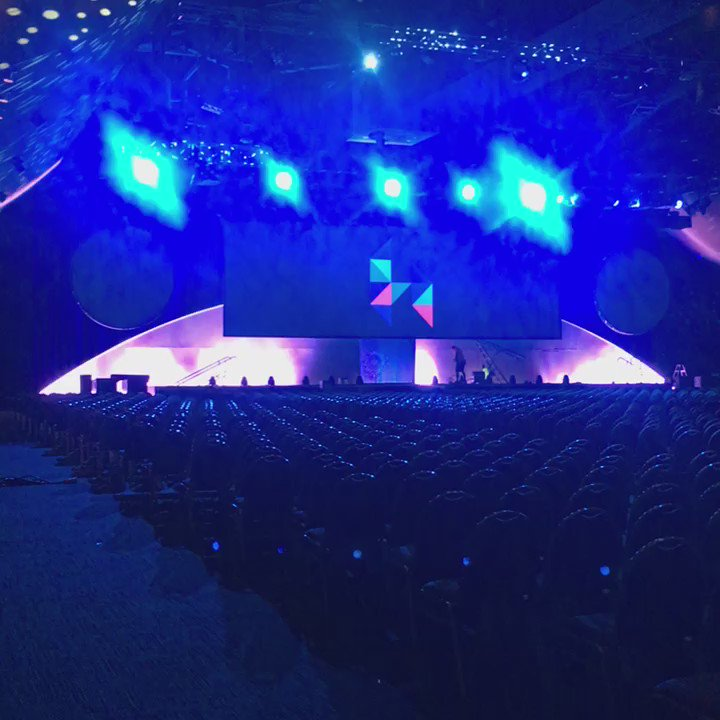 Just me and 2200 of my closest friends #xerocon https://t.co/nJ1bNhT2Dz