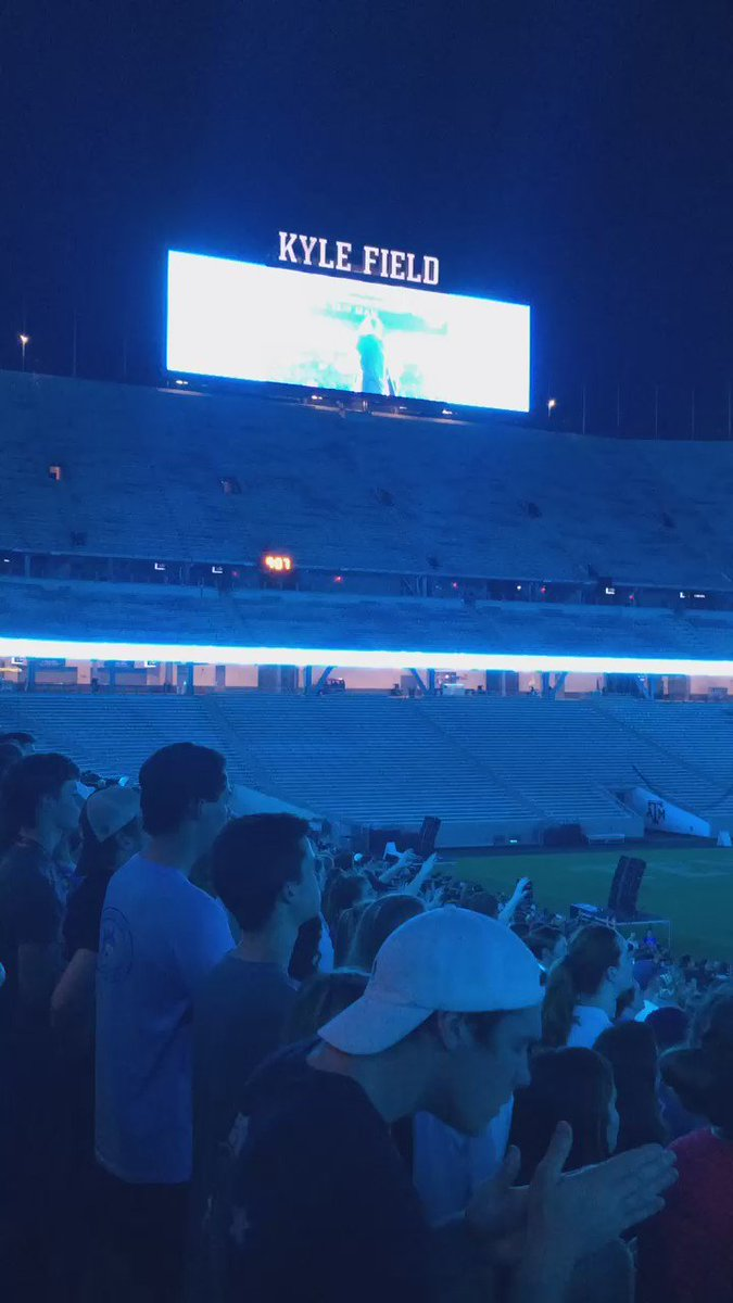 Amazing night @breakawaymin in @KyleField_12th ! @TimothyAteek & @jeffjohnsonband brought it! https://t.co/jTzi40AqoS