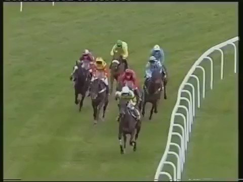 2004 Cheltenham Gold Cup   Can you remember this consecutive, 3-time winner? https://t.co/KrR56ssVTC