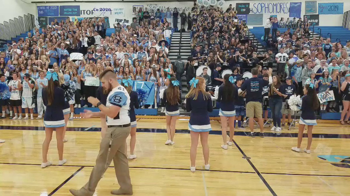 Today we're at Gig Harbor High School for today's prep rally. They're ready for today's #k5blitz. Are you? https://t.co/dSErHoSXsl