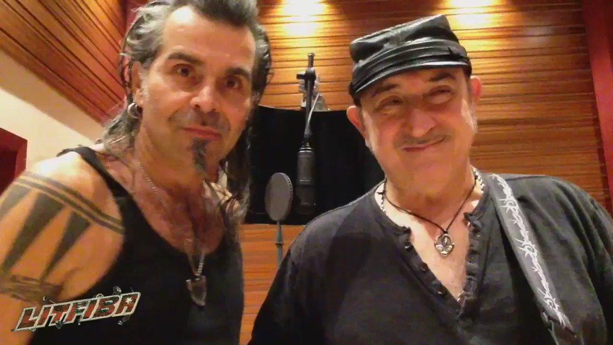 Siamo tornati! Il nuovo album, Eutòpia, dall'11/11! E poi si parte con il nuovo tour! #NuovoAlbumEutòpia https://t.co/TzptKpOkM3
