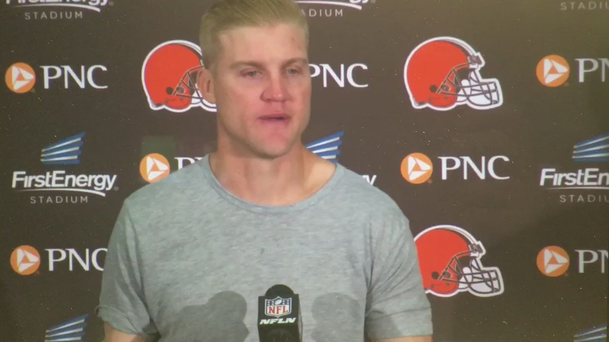 This is a guy I would want to play with. Josh McCown's response on why he kept going back in. https://t.co/gQNoyKoDl8