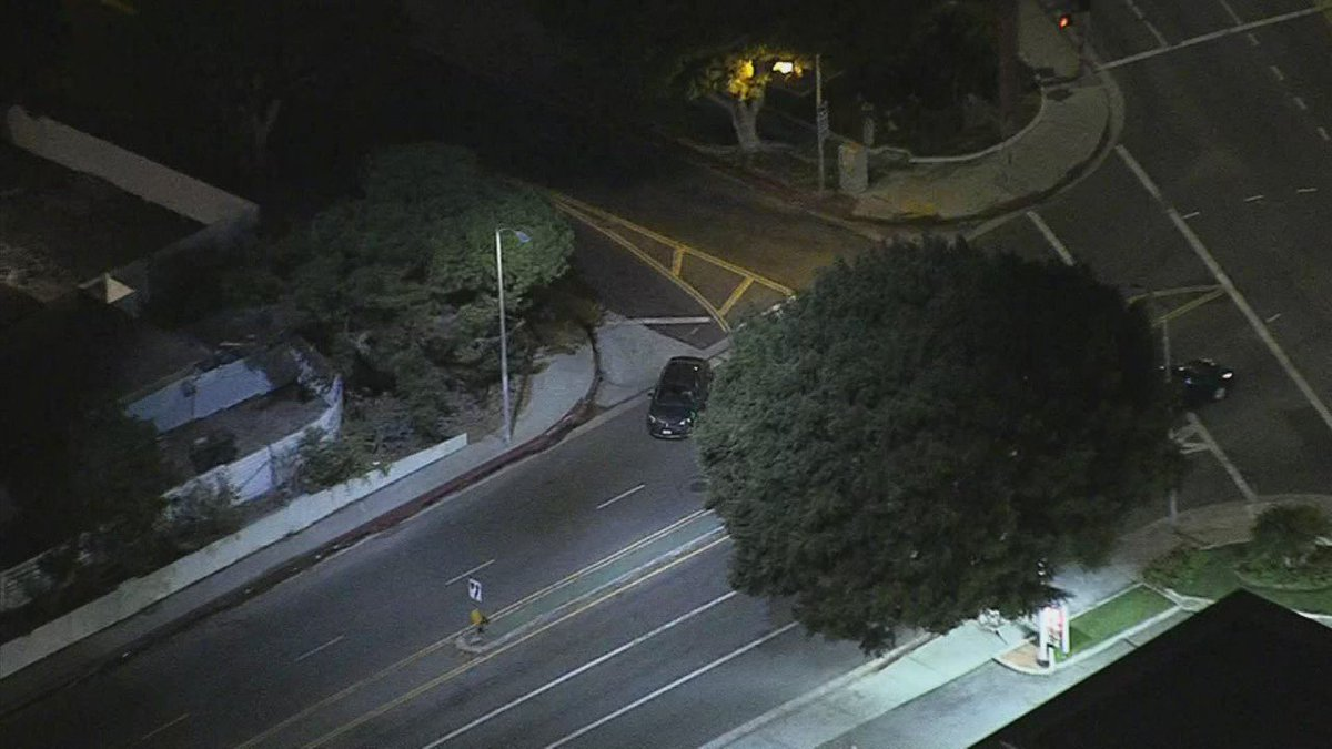 Driver leads police on chase through Brentwood area. WATCH LIVE