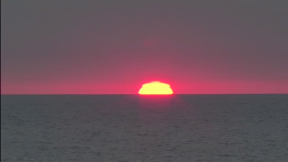 Time-lapse video of a spectacular sunrise over Lake Michigan this morning. @ABC7Chicago