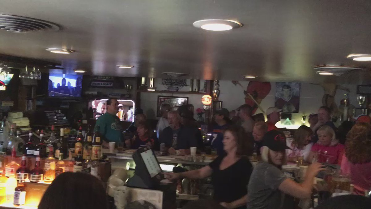 Campus lounge is wall-to-wall on last day after 40 years owner says he's thankful for all the loyal customers KDVR