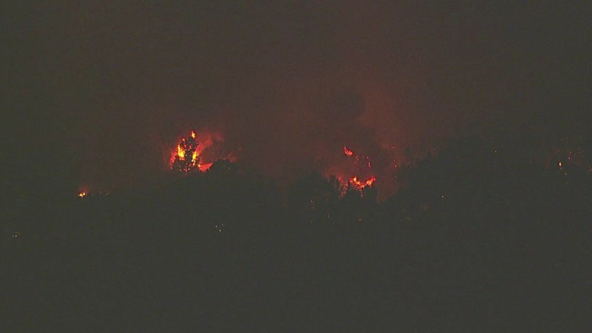 View of LomaFire from Sky7 this morning. New evacuations underway. We're live w/ coverage through 7am.