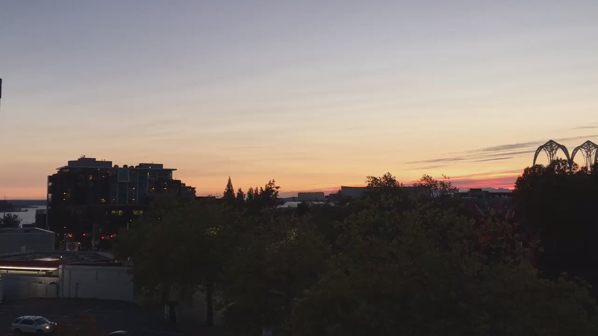 Lovely Seattle sunset from the @KOMO4Sports deck!