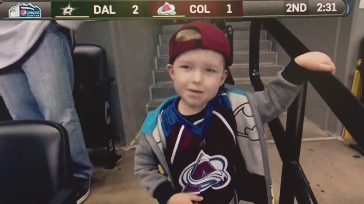 They're dancing at Pepsi Center. @Avalanche beat the Stars 4-2. @DenverChannel