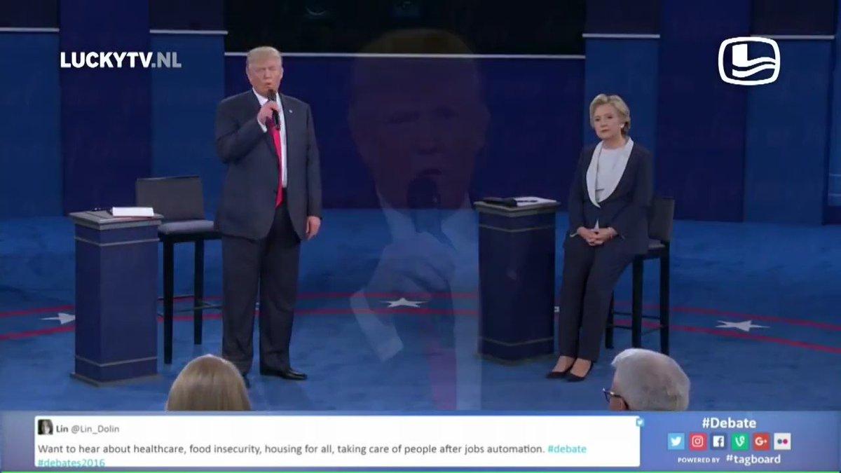 Hillary and Trump's beautiful duet... #Debates2016 #debatesongs #TrumpVsClinton https://t.co/AfbqLLcmEP