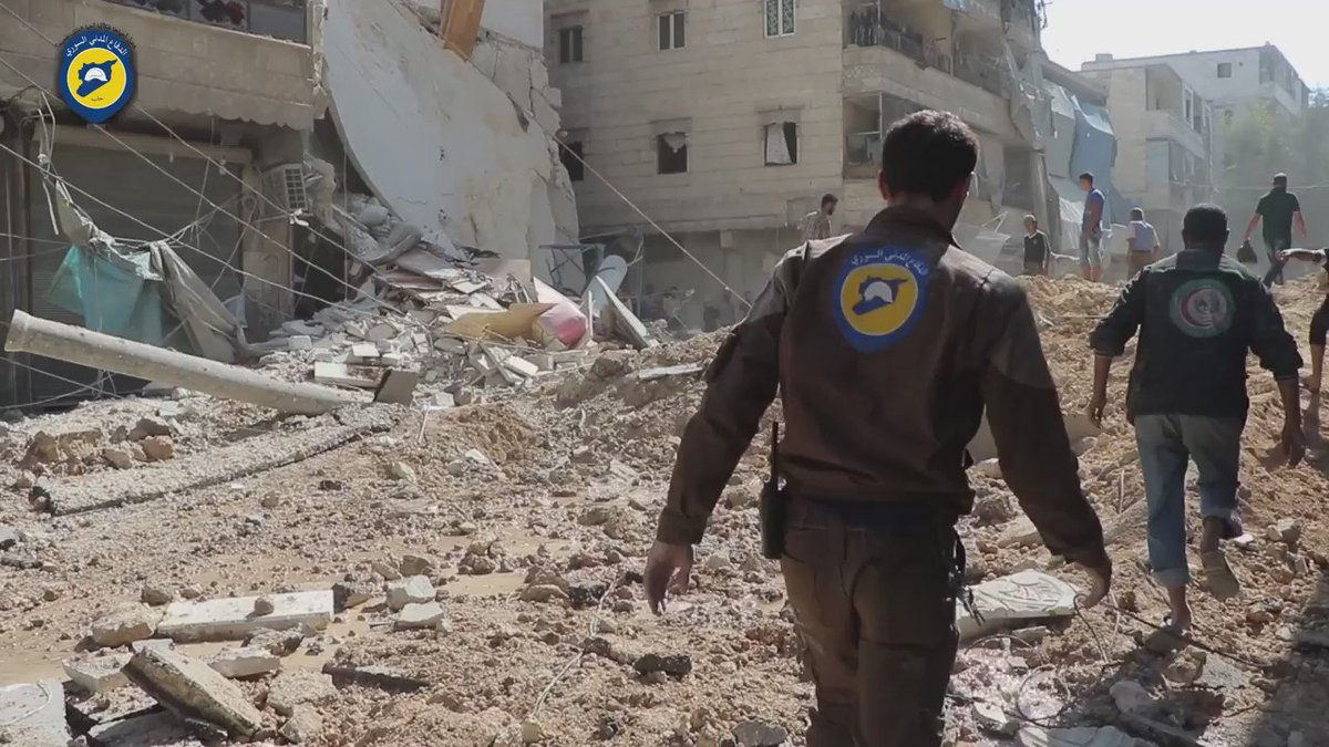 Aleppo's Fardos district: A child is pulled alive from the rubble. @SyriaCivilDef says 9+ dead, 30 injured.